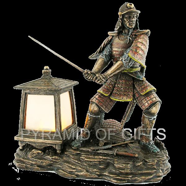 Фото - фигурка самурая - светильник - Pyramid Of Gifts