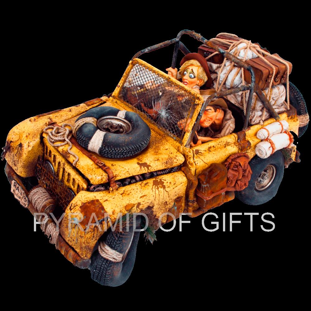 Фото - коллекционная фигурка - путешествие на джипе - Pyramid Of Gifts