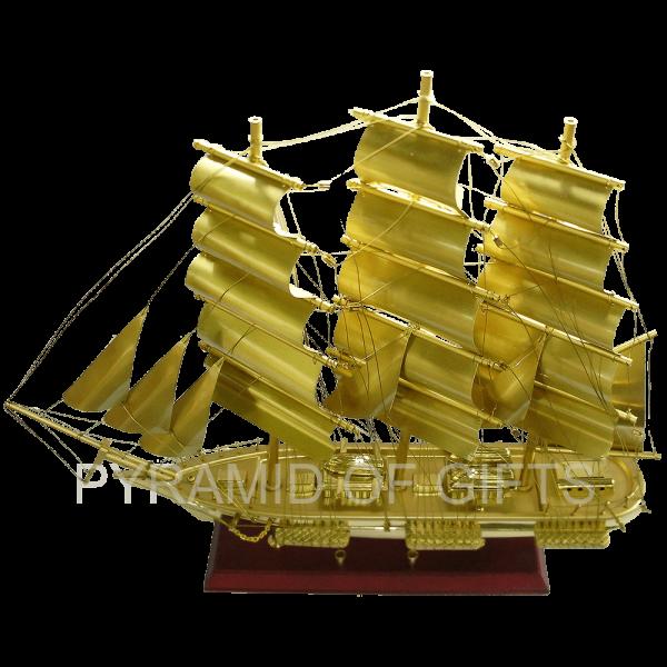 Фото - модель парусного корабля – Cutty Sark - Pyramid Of Gifts