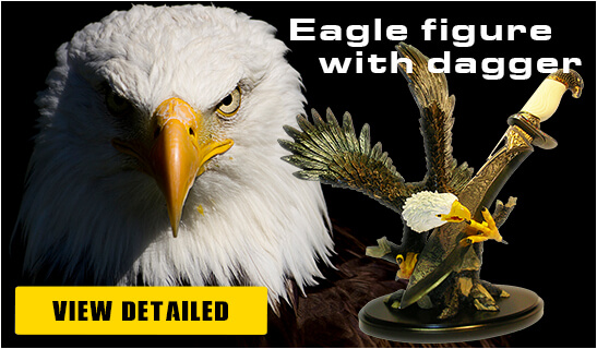 Banner Foto Polymer Figures Eagle Dagger - Pyramid Of Gifts