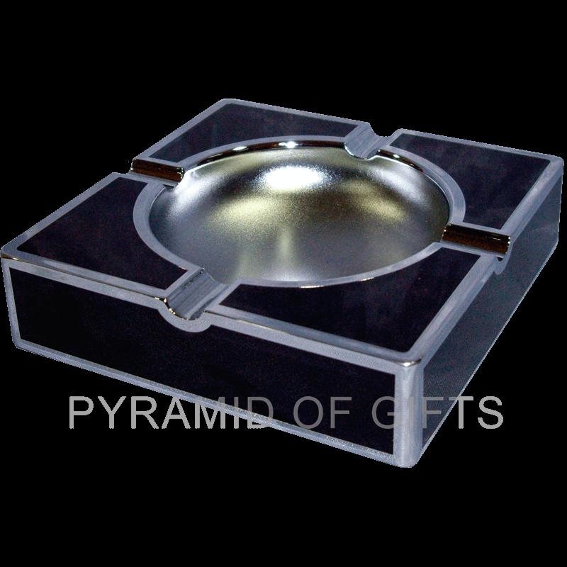 Фото - настольная пепельница - Pyramid Of Gifts