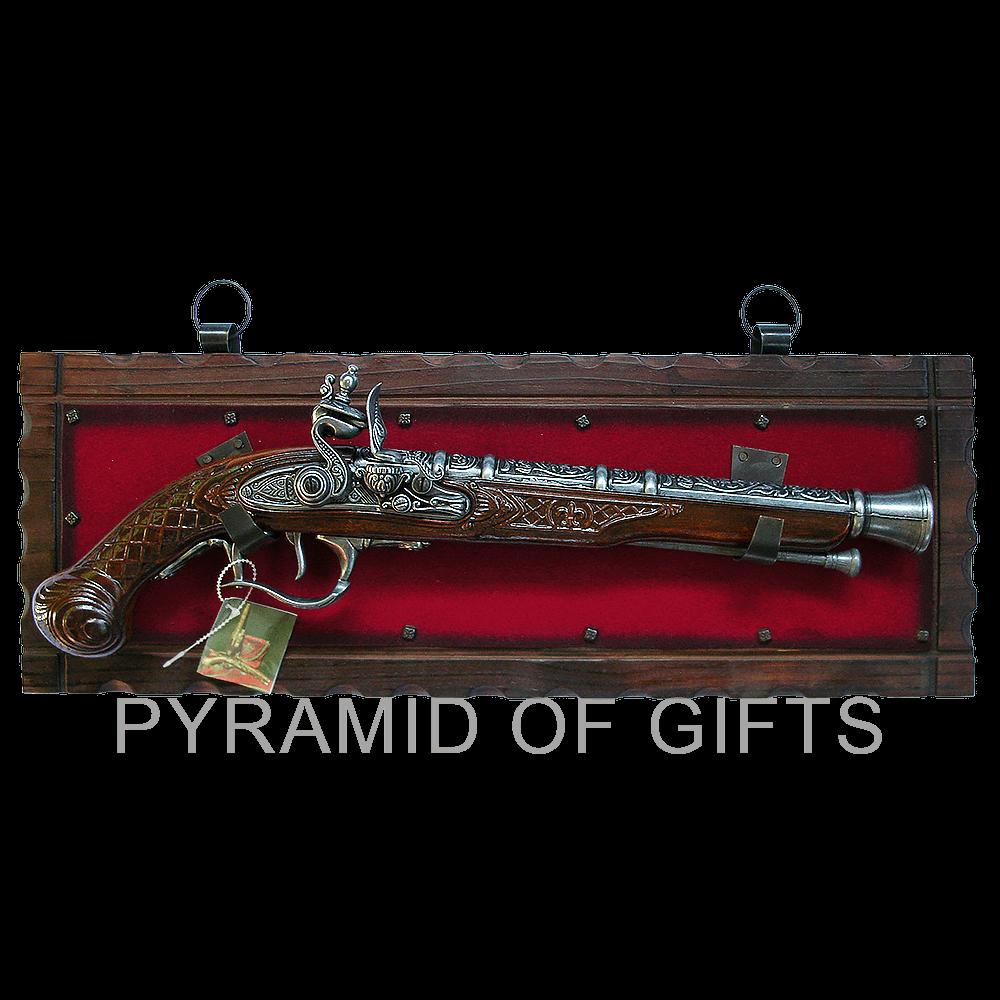 Фото - модель старинного пистолета - Pyramid Of Gifts